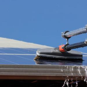 Reinigung von Solar- und Photovoltaikanlagen